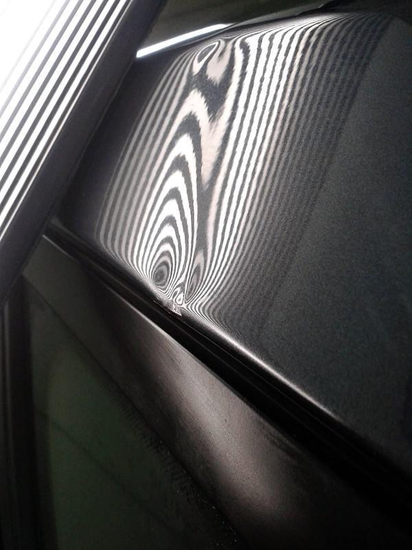 Naprawa wgnieceń w karoseii samochodu 23