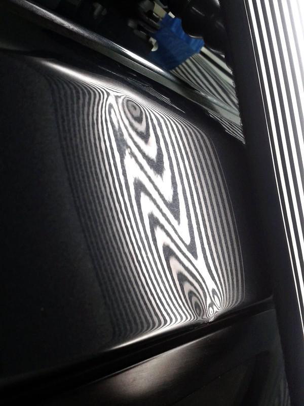 Naprawa wgnieceń w karoseii samochodu 24