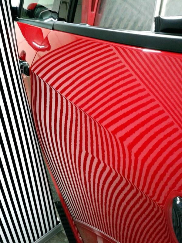 Naprawa wgnieceń w karoseii samochodu 25